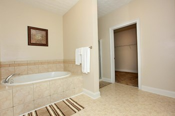 1700 Fountain Ct., 1-3 Beds Apartment for Rent Photo Gallery 1